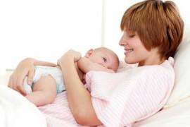 掌握好婴儿喂奶时间,告别昼夜颠倒!