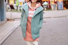 冬季服装搭配 套头卫衣甜美小清新