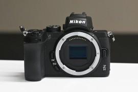 尼康Z50下翻屏无反相机,APS-C传感器小巧轻便